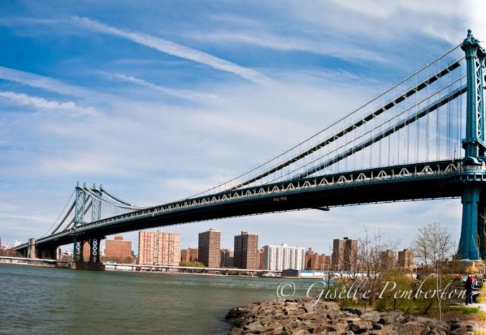 ALTPanoramic view of the Manhattan Bridge from Brooklyn, NY